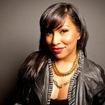 "Melanie Fiona ""Unplugged"" in the staircase"