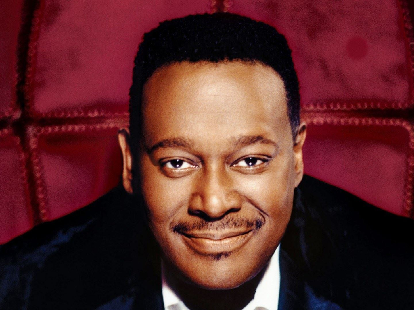 LutherVandross_smiling