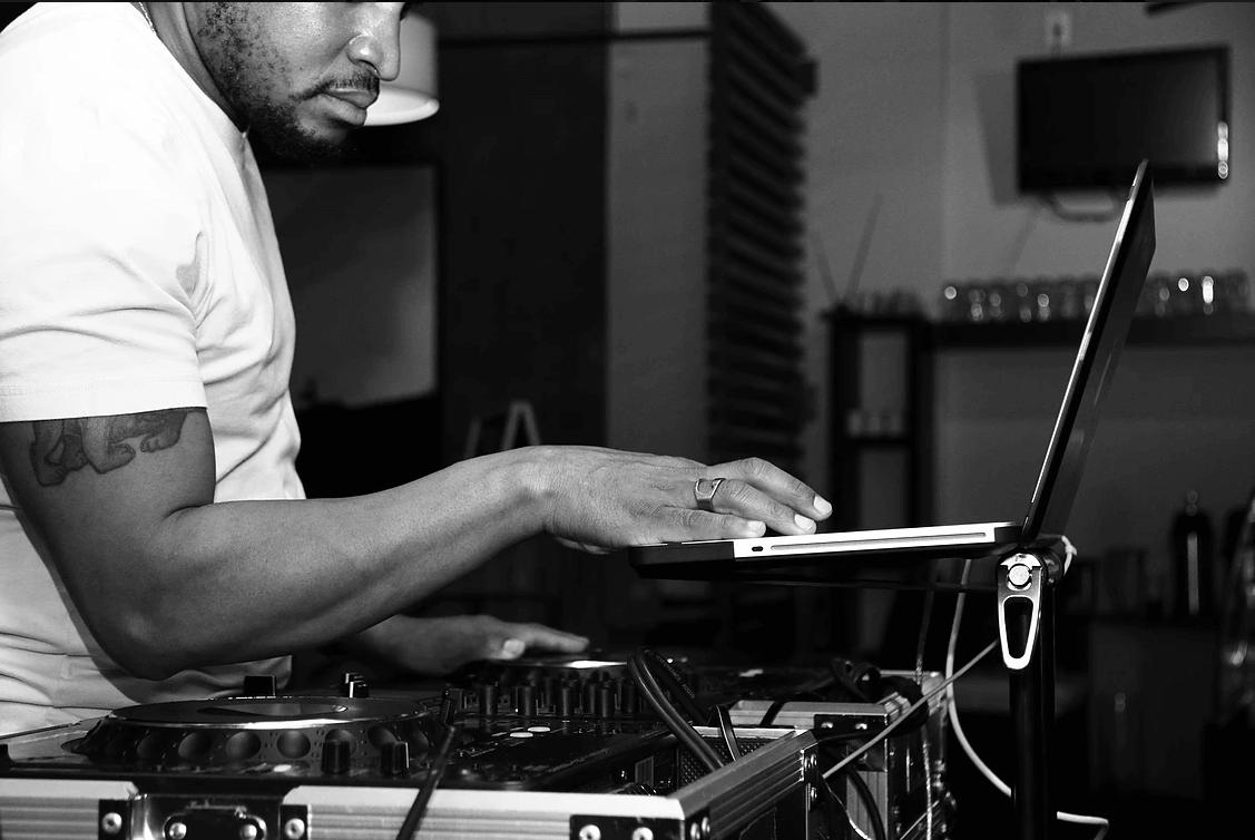 djphaze mixing