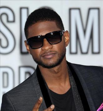 Usher Performs Bobby Brown's Play Book On AMAs
