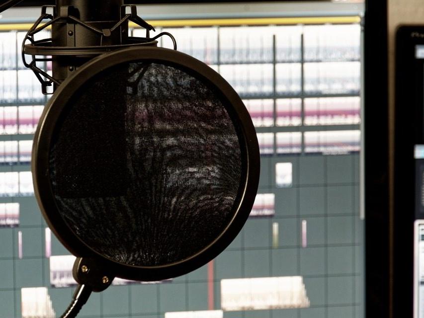 studio-1003135_960_720