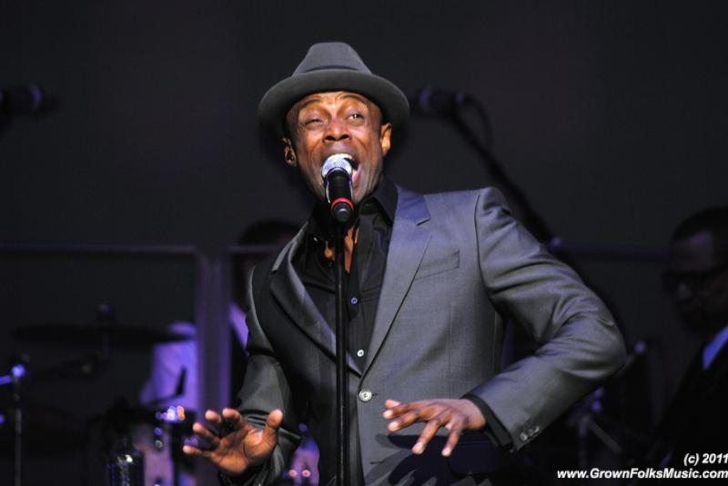 "Kem Tells Ledisi, ""Be Mine For Christmas"""