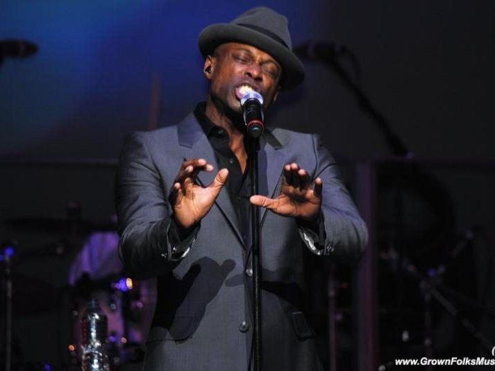 Kem performing in Atlanta