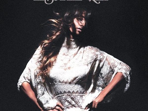 Tess Henley Wonderland Single Cover