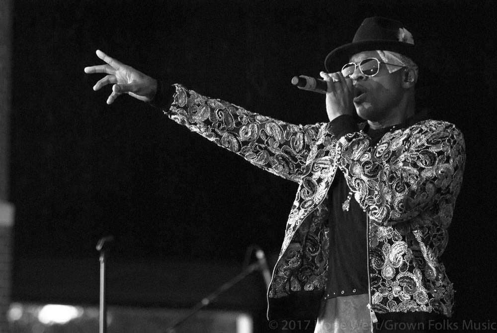 Stokley Williams performing onstage at Wolf Creek Amphitheater
