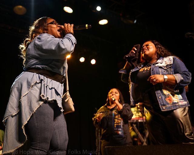 Tasha Cobbs Leonard and her aunt performing on the Revival Tour in Atlanta