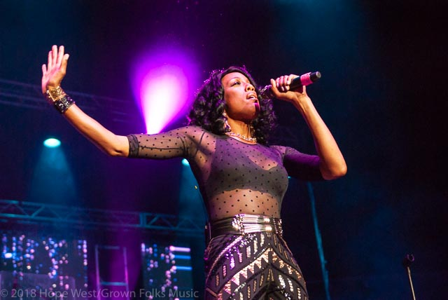 Rhonda Bennett of En Vogue performing on stage at the State Farm Arena for the