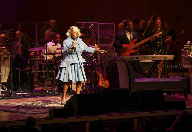 Pattie LaBelle performing at Jazz 91.9 45th Anniversary Benefit Concert
