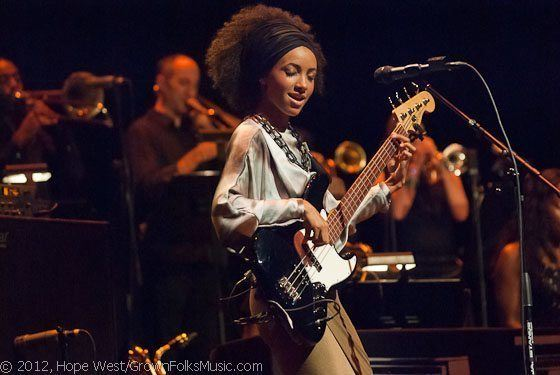[PHOTOS] JAZZ ROOTS Series Presents Ladies of Jazz: Esperanza Spalding & Terri Lyne Carrington