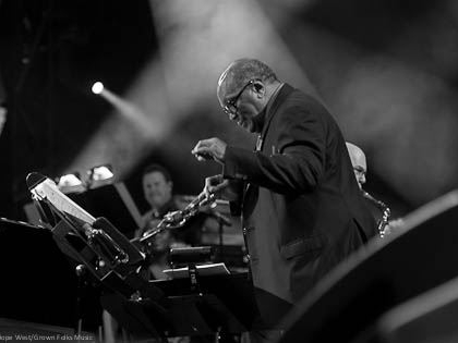 Quincy Jones performing at the Fox Theatre in Atlanta for the American Cancer Society benefit concert